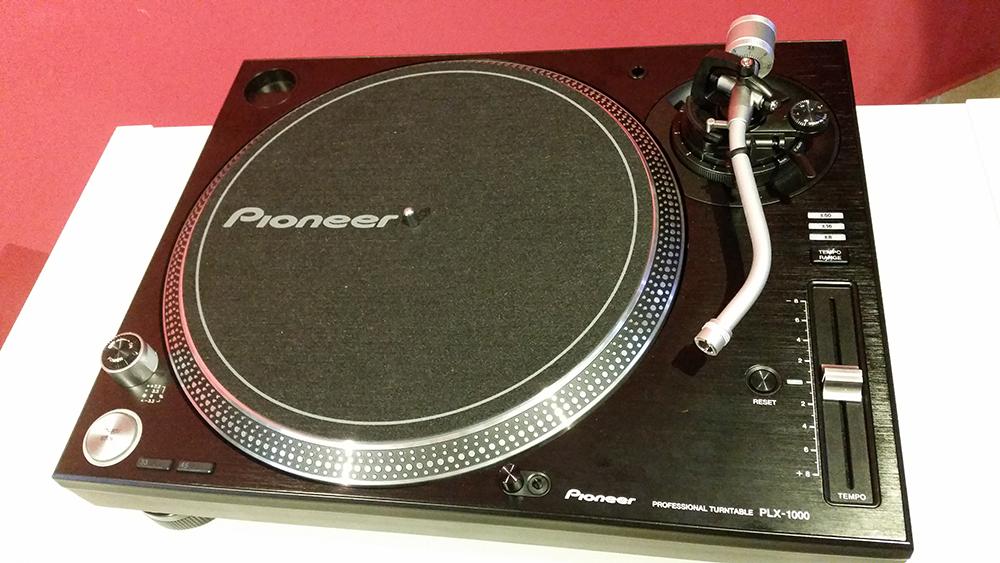 Technics vs. Pioneer